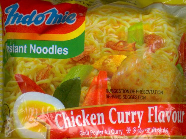 INDOMIE CHICKEN CURRY FLAVOR NOODLES